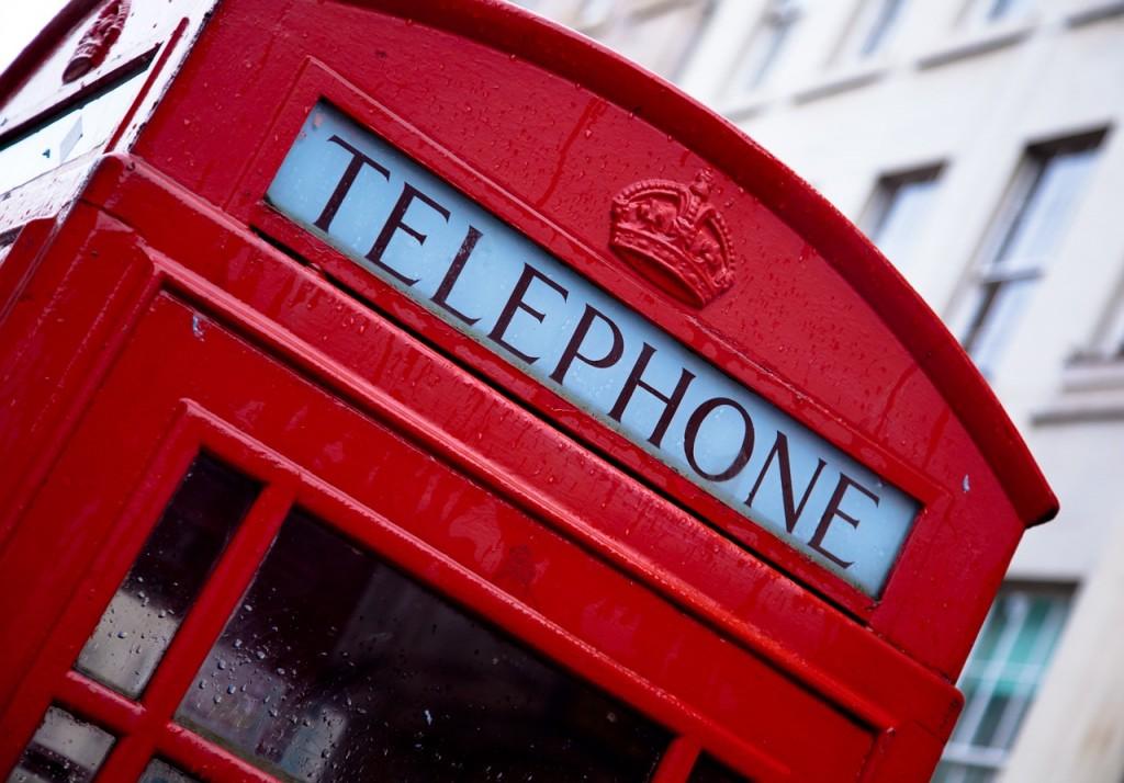 telephone-1055044_1280-contact